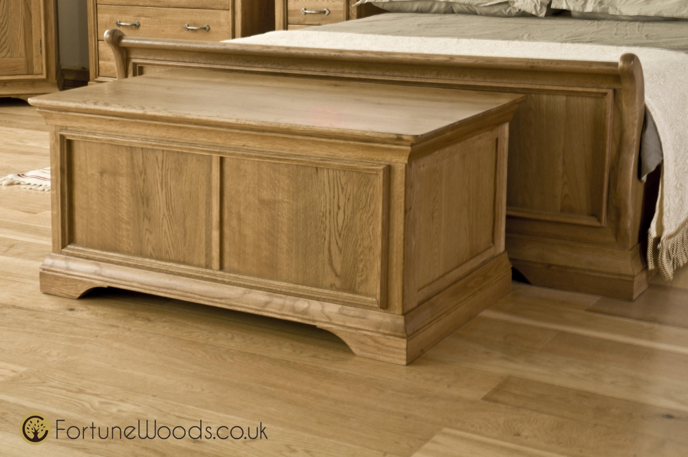 Dazzling Light Oak Furniture