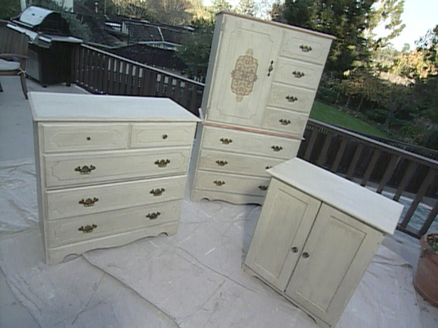 Delicate Painted Bedroom Furniture