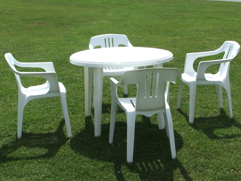 Good Plastic Garden Furniture