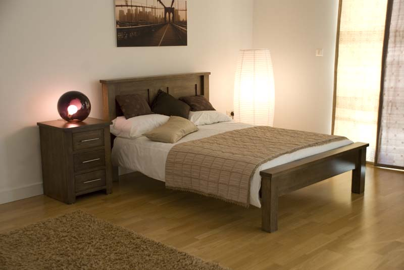 Delicate Solid Oak Bedroom Furniture